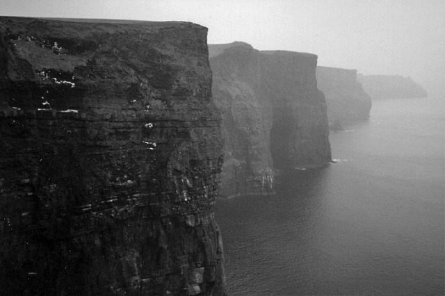 Lightmatter_cliffs_of_moher_in_County_Clare_Ireland